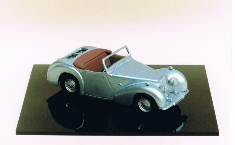 Roadster, 1/43, Mikansue